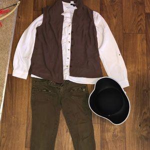 Female pirate Halloween costume! Size varies